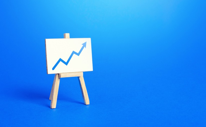Easel,And,Up,Arrow,Chart.,Concept,Of,Success,,Growth,And